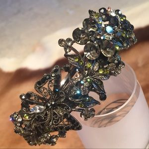 Jewelry - High Quality Hair Brooch Retail $120